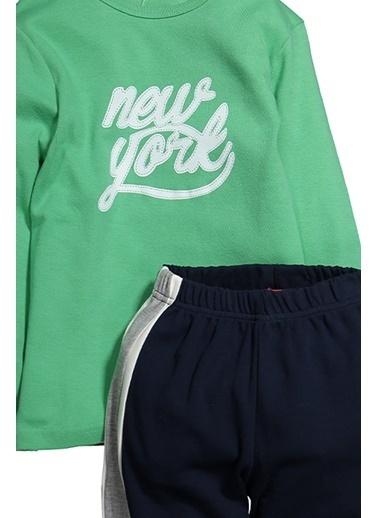 Zeyland Baskılı Yan şeritli Pijama Takımı (5-12yaş) Baskılı Yan şeritli Pijama Takımı (5-12yaş) Yeşil